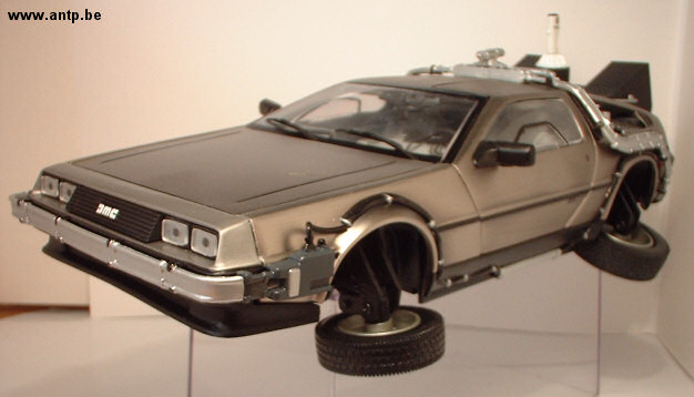 DeLorean DMC-12 Sunstar